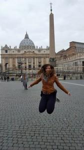 Judit Saltando, como siempre, en el Vaticano