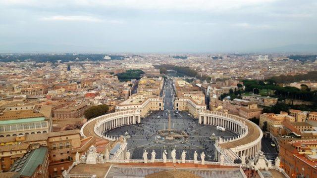 Vistas desde el Vaticano viajando a Roma en familia