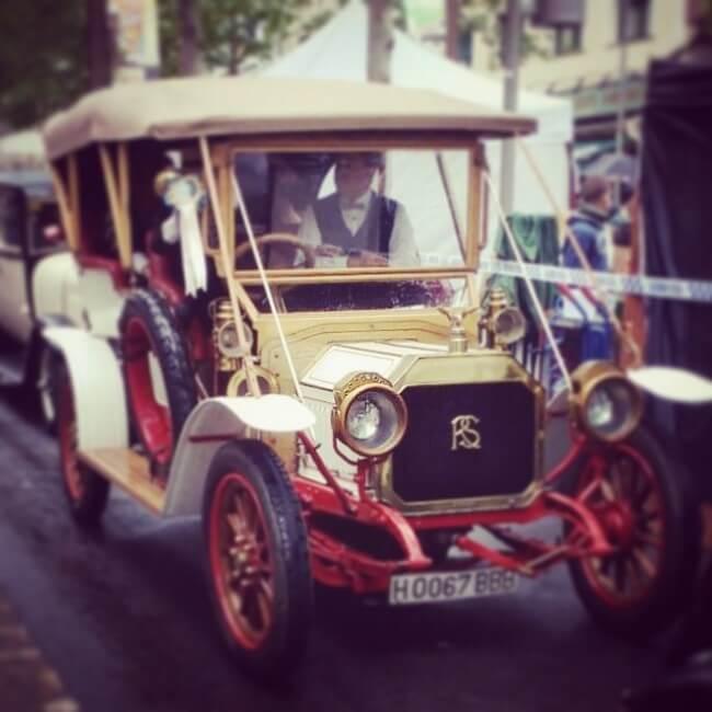 Fira Modernista Terrassa: coche de época