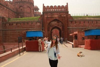 Nuestro Viaje a la India Nueva Delhi: Judit en Fuerte Rojo