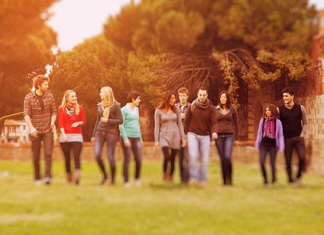 Turin gente joven