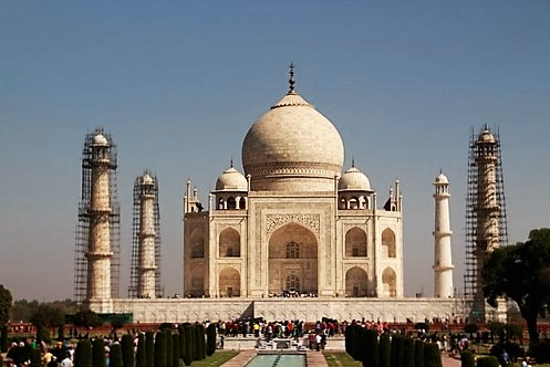 Judit y Dani en el Taj Mahal