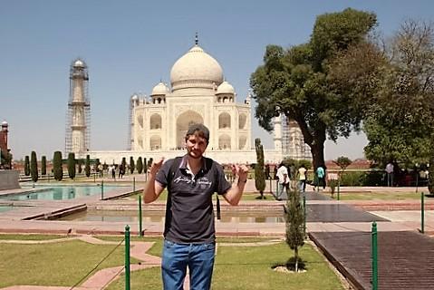 Dani en el Taj Mahal