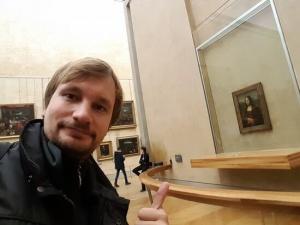 Viaje a Paris, louvre selfie mona lisa