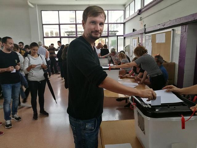Dani votando 1 de octubre