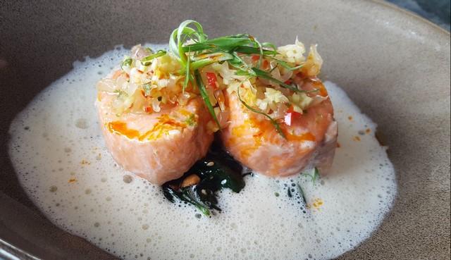 Que ver en Singapur Marina Bay Sands comida salmon