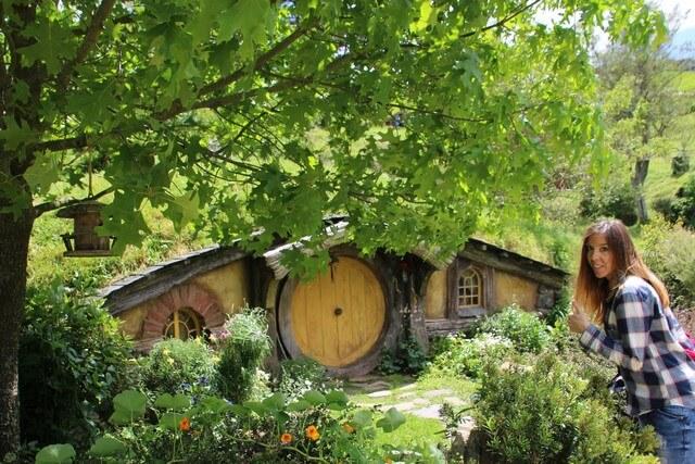 Hobbiton casa hobbit amarilla