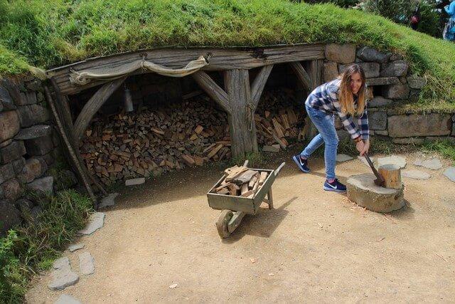 Viaje a Nueva Zelanada: jugando detrás del grupo en Hobbiton