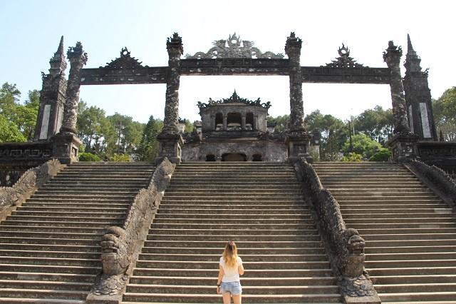 Escaleras Tumba Imperial Khai Dinh