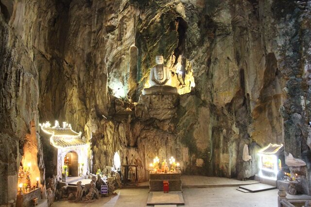 Cueva deLinh Nham