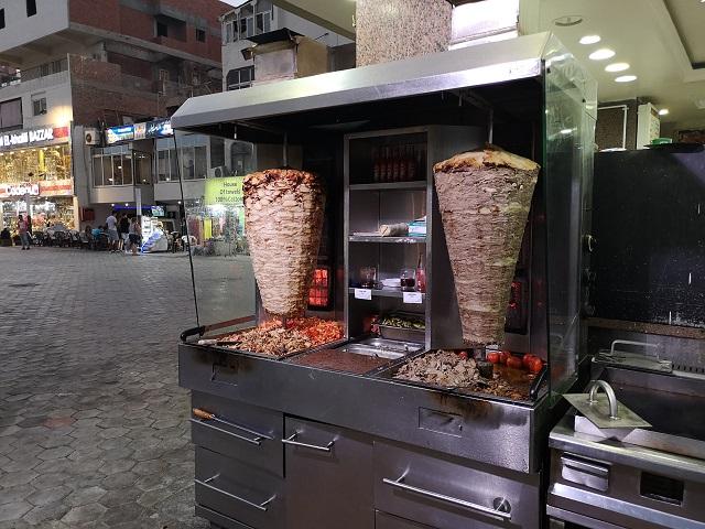 Restaurante comida rápida en el centro de Hurghada