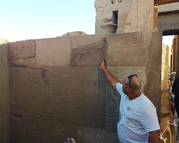 Ahmed nuestro guía en el crucero por en Nilo