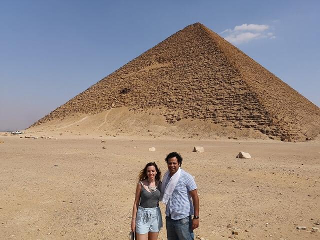 Nuestro primer guía en Egipto, en la pirámide roja de Dahshur