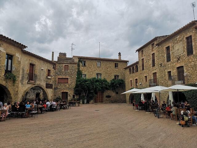 Plaça Jaume I Monells