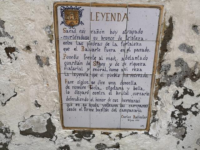 Carteles con la historia de Sitges