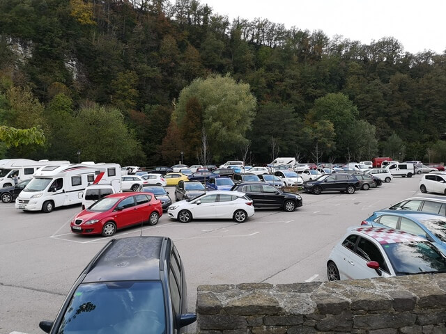 Parking entrada de Rupit