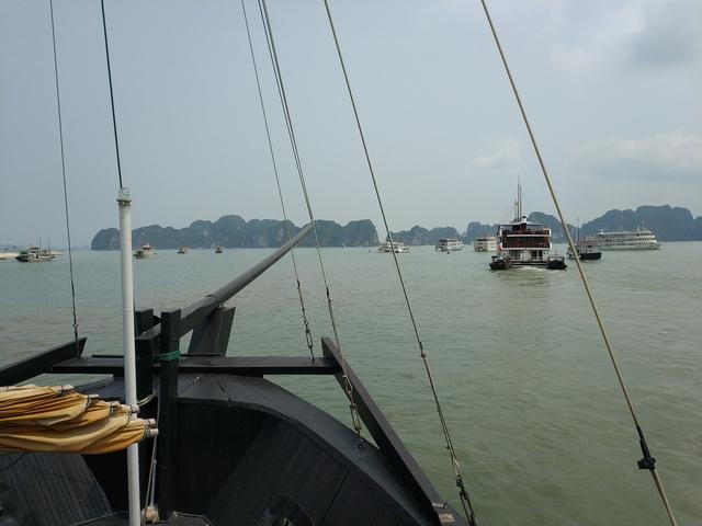 Zarpamos para la Bahia de Halong