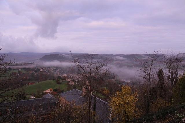 Cordes Sur Ciel con niebla