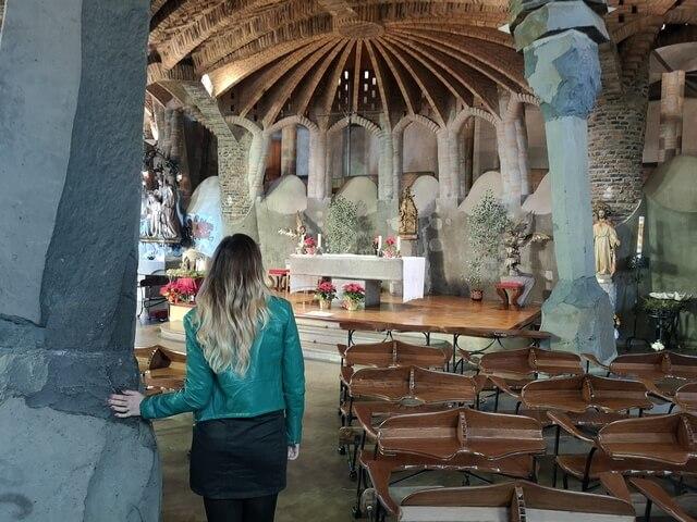 Interior Cripta Guell