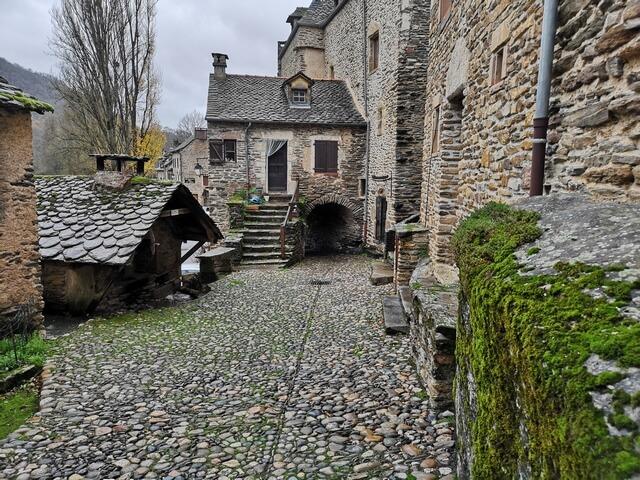 Belcastel pueblo medieval
