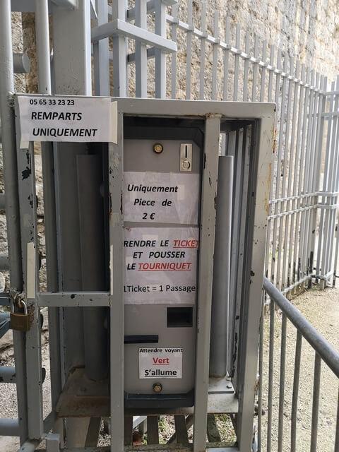Castillo Rocamadour torno dos euros