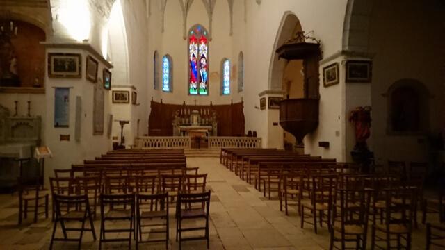 Interior Iglesia Saint Cirq lapopie