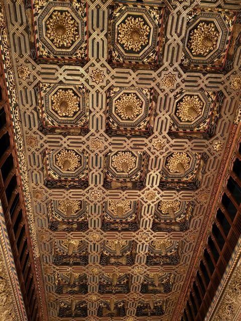 Impresionante techos del salon del trono