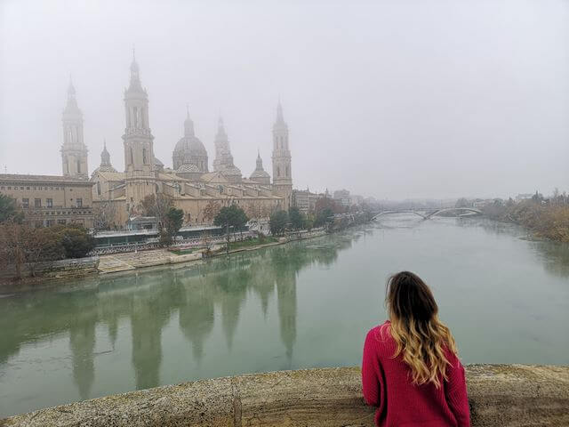 Que ver en Zaragoza, Basilica El Pilar con niebla