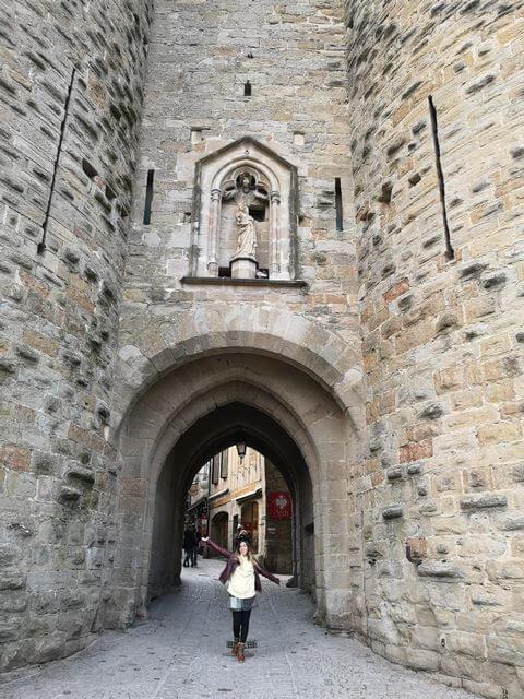 Que ver en carcassonne Francia entrada muralla