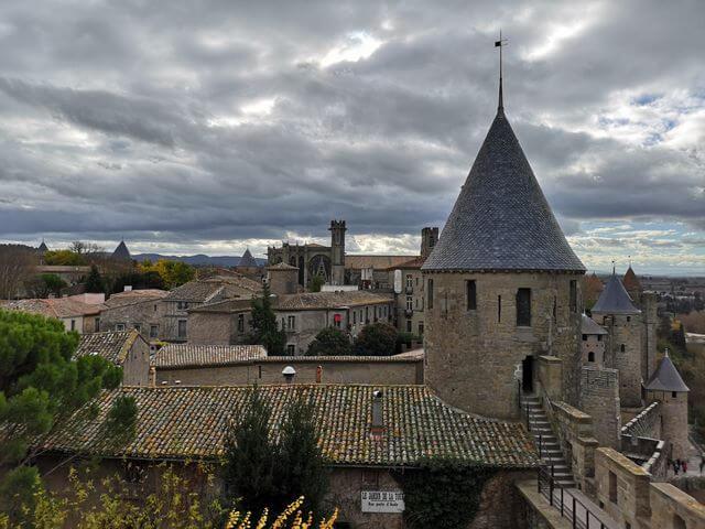 Basilica de Carcassone desde el castillo