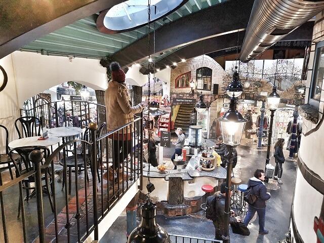 Hundertwasserhaus centro comercial