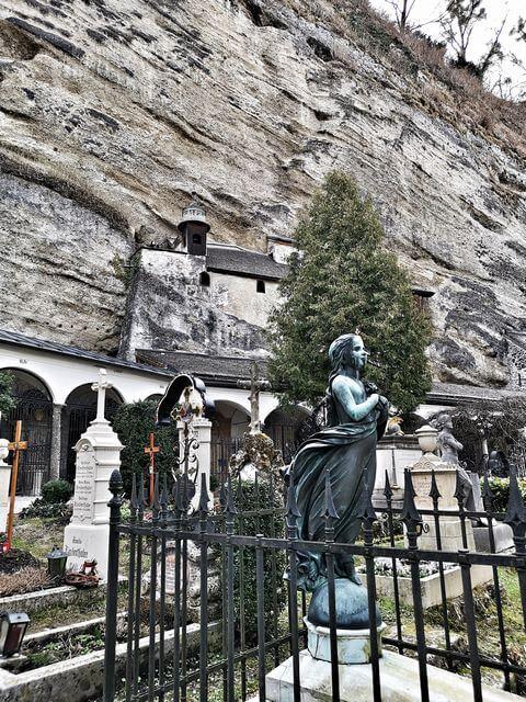 Cementerio de San Pedro y catacumbas