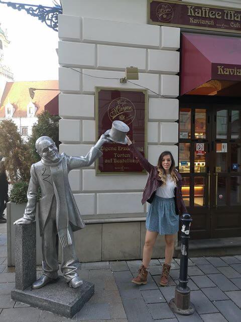 Estatua Schöne Náci