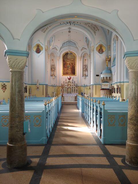 Interior Iglesia Azul