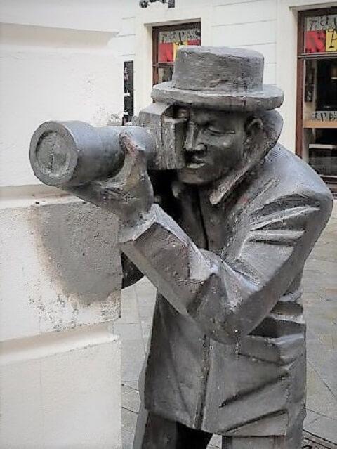 Paparazzi Bratislava estatua