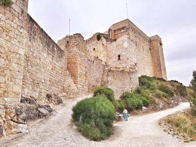 Que ver en Miravet murallas castillo