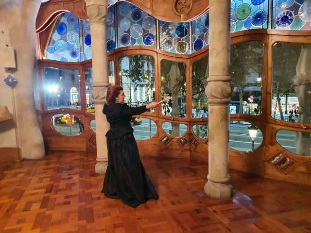 Visita teatralizada Casa Batllo con Amali Godo
