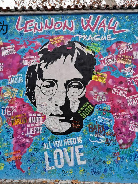 Muro Jonhn Lennon que ver en Praga
