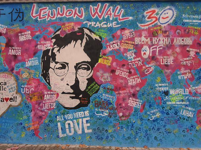 Detalles Muro John Lennon Praga
