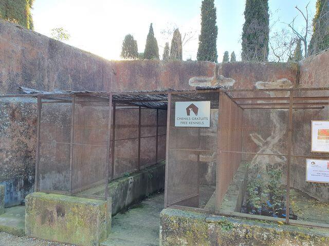 Perrera gratuita abadia Fontfroide