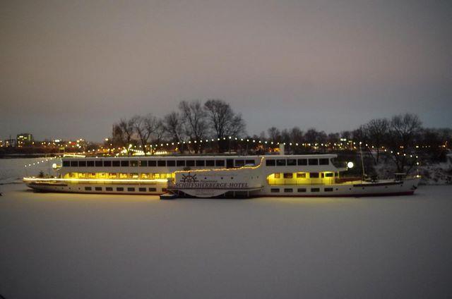 Schiffsherberge Pöppelmann hotel barco dresde