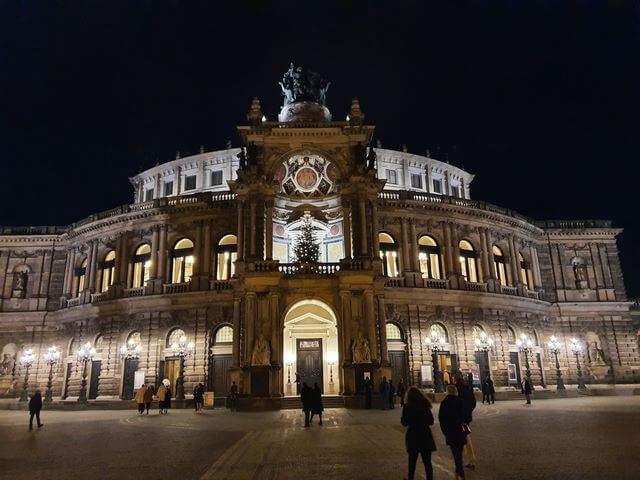 Semperoper Opera de Dresde