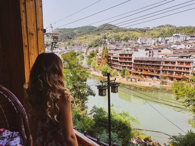 Vistas de nuestro hotel en Fenghuang