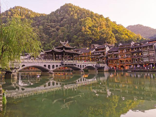 Puente Fenghuang China