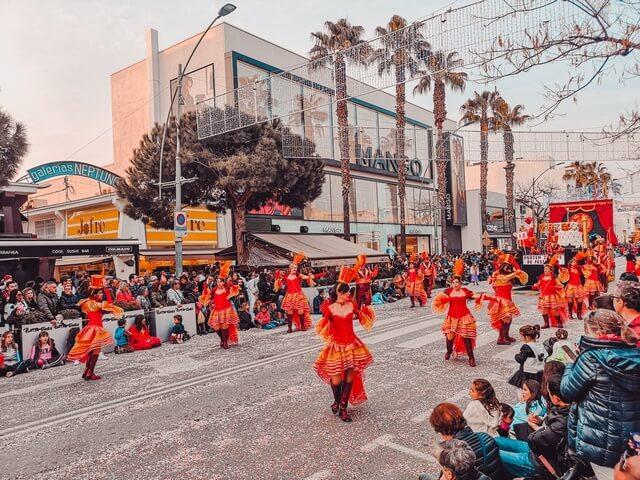 Avinguda S'Agaro Platja d'Aro en Carnaval