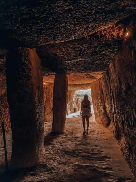Interior Dolmen Mega Antequera