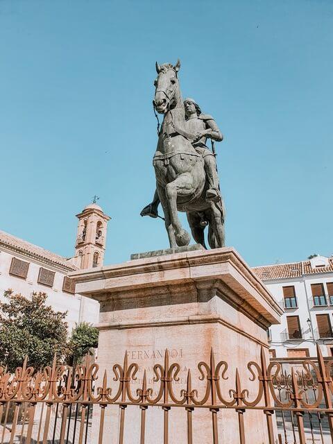 Fernando I en la Plaza del Coso