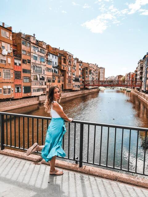 Puentes y casas del Río Oñar