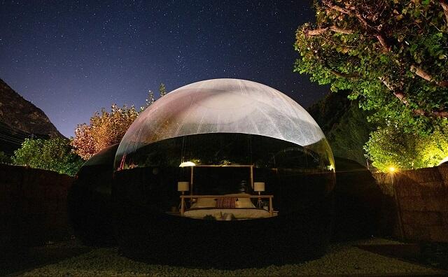 Nomad Camp hotel burbuja Andorra de noche