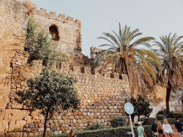 Que ver en Marbella castillo y murallas árabes